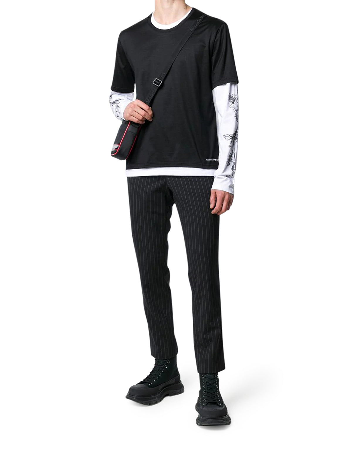 layered long-sleeves T-shirt