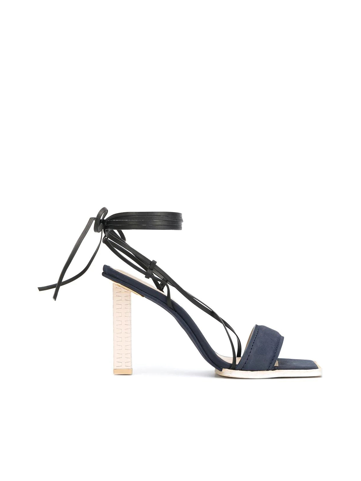 Sandals with square toe