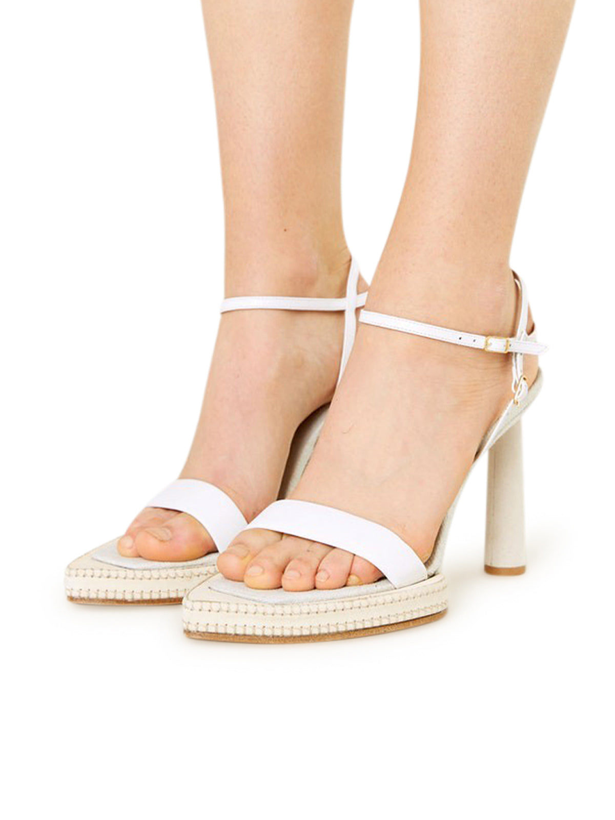 pointed-toe leather sandals