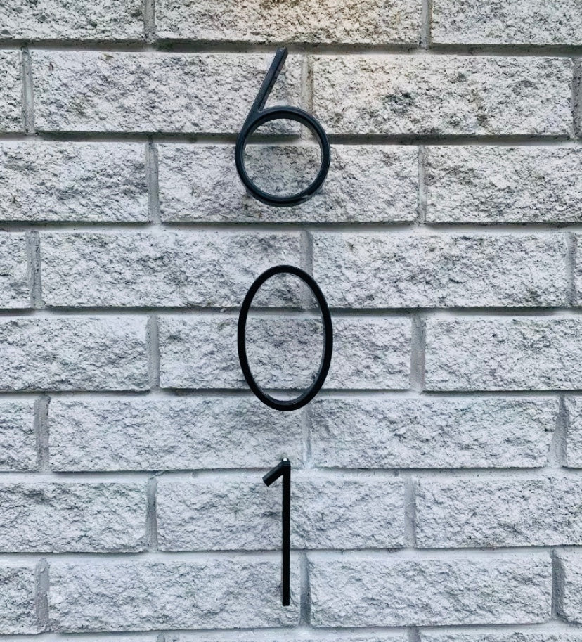 Bayside Luxe - Black Floating and Flush House Numbers - Baysideluxe