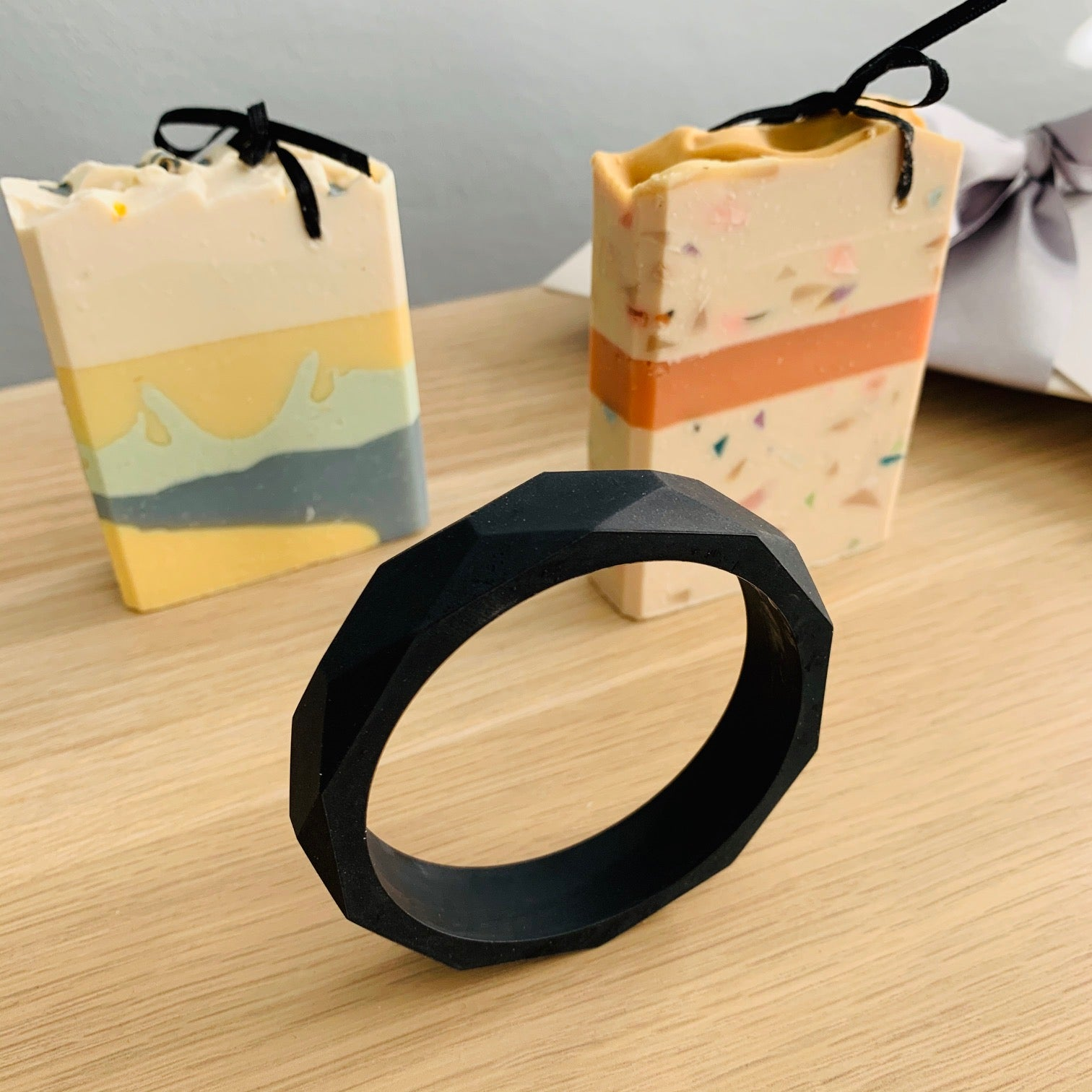Bayside Gifts - Like it Like Matt Black - Bangle and Designer Soaps - Baysideluxe