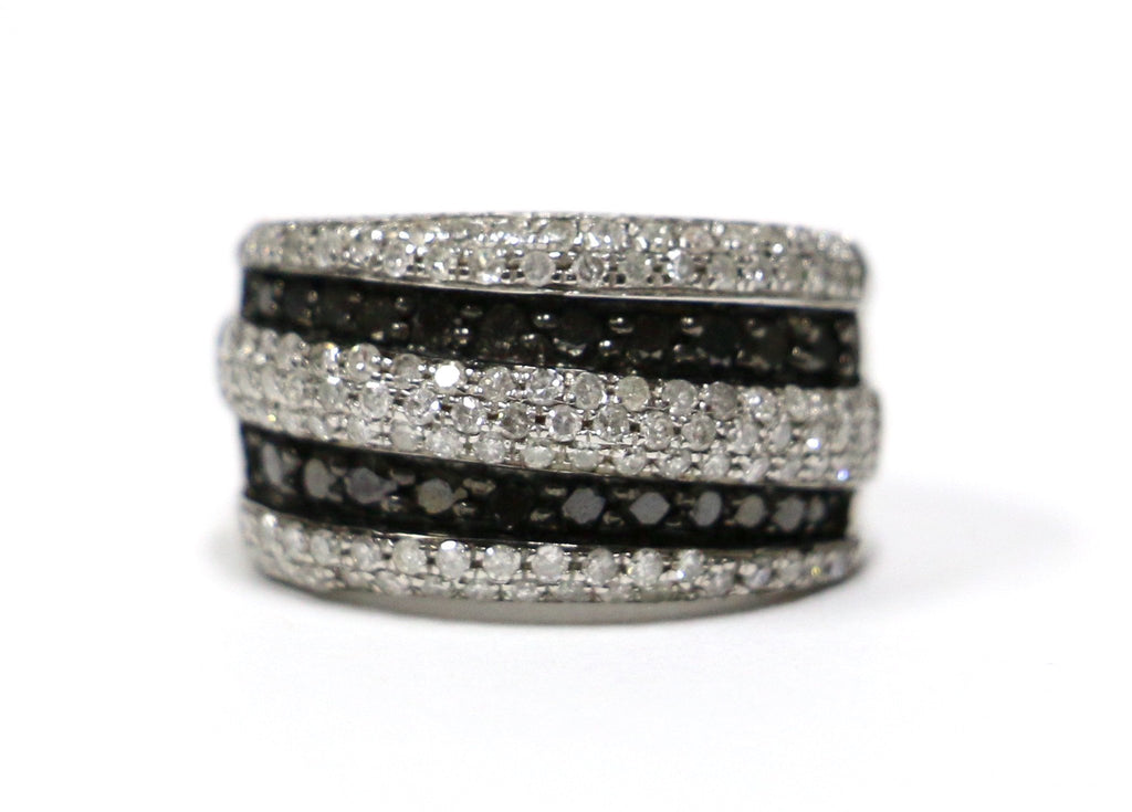 1.49 CT. Black & White Diamond Wedding Band in 10K White Gold - White Carat Diamonds