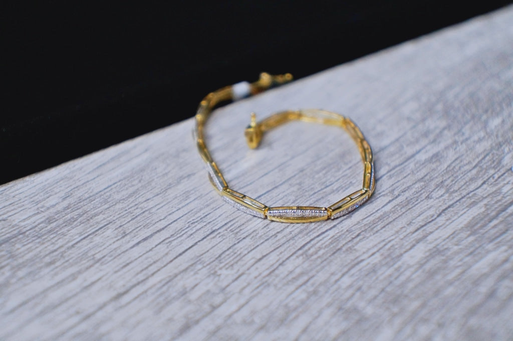 Miami cuban link bracelet 74gm Gold - White Carat Diamonds