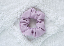 Load image into Gallery viewer, Lilac // mini scrunchie