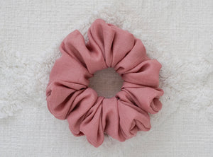 Pink Linen  // full size scrunchie