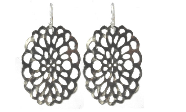 Fleur Earrings  (medium-white)