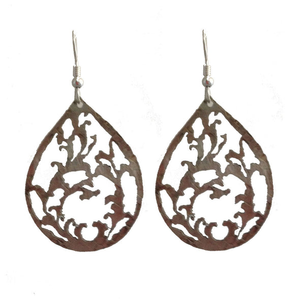 Seaweed Earrings (medium-white)