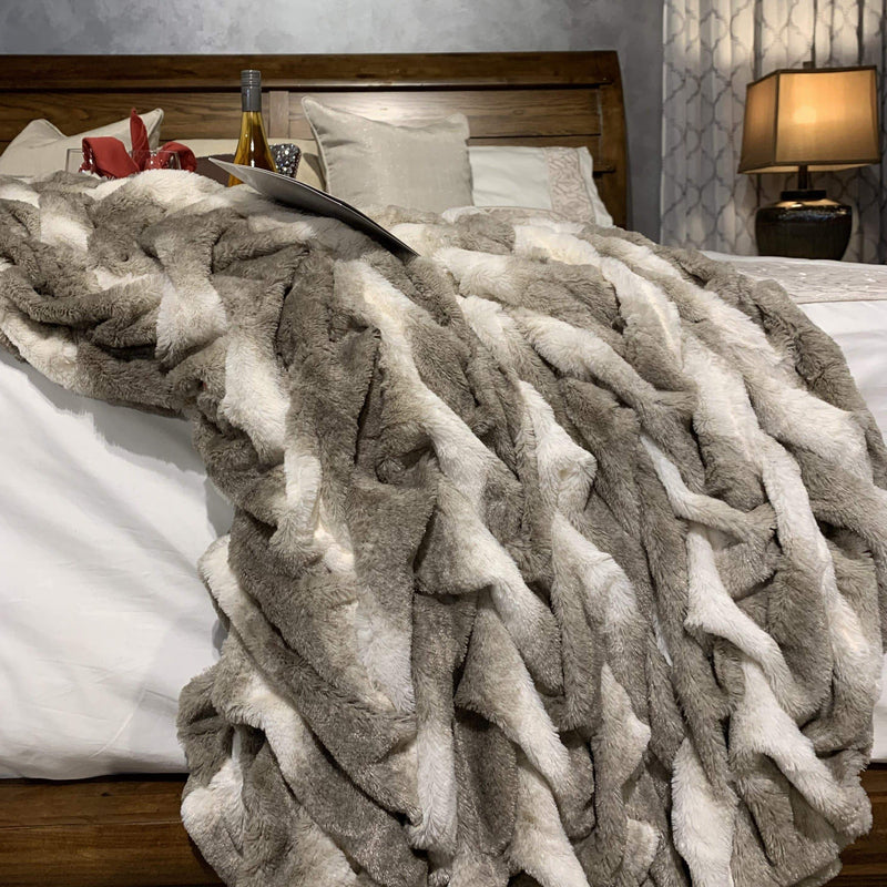 Soft Heavy Faux Fur Loufie Blanket/Coverlet by Rug Factory Plus