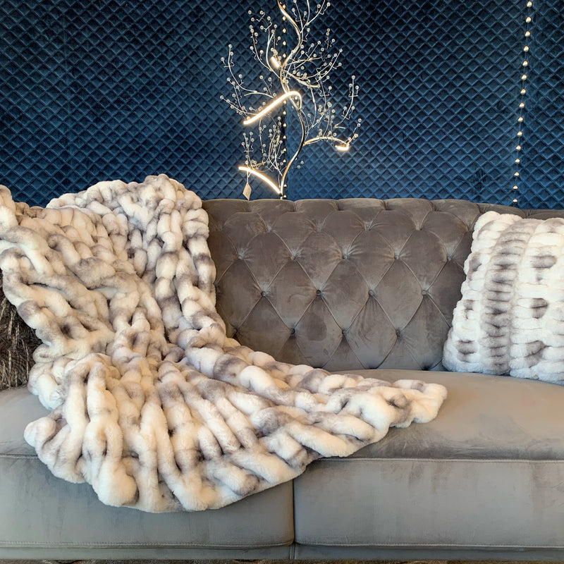 Luxurious Hand Crafted Faux Fur Nuevo Two-tone Throw by Rug Factory Plus