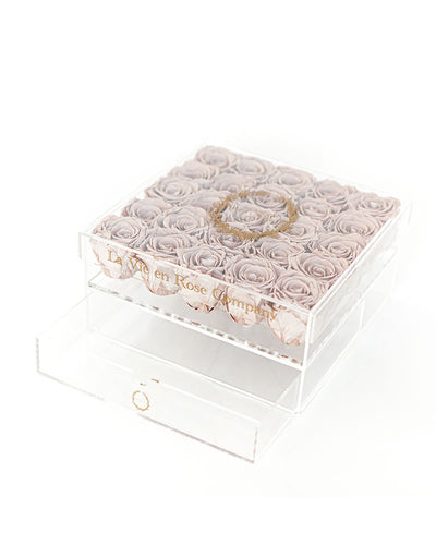 25 Premium Ecuadorian Eternity Roses in a Custom Box - Le Grande