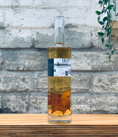 9148 Benizakura Maple Gin Bottle