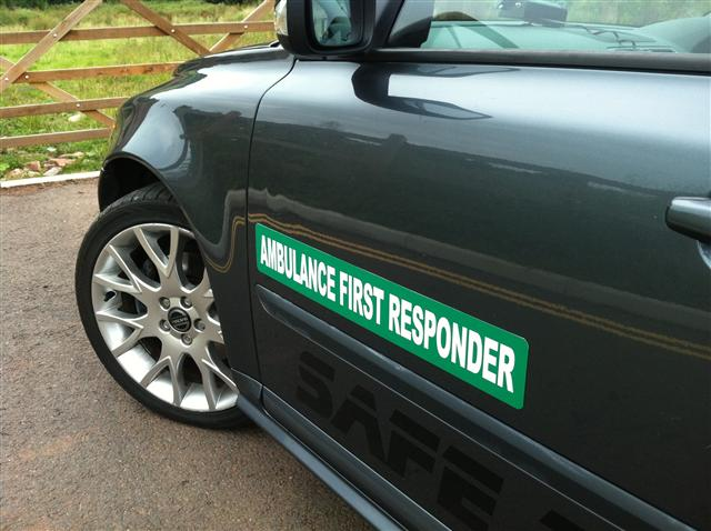 Magnet Ambulance First Responder with Green Background (MG057)