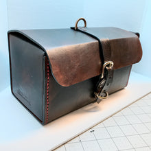 Load image into Gallery viewer, Meadow Brook Toiletry Bag