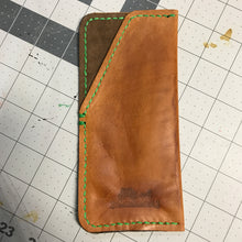 Load image into Gallery viewer, Eyeglass Leather Pouch