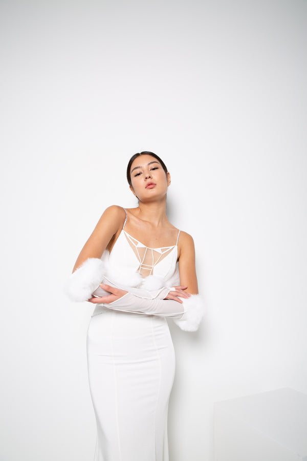 NILI GOWN IN WHITE