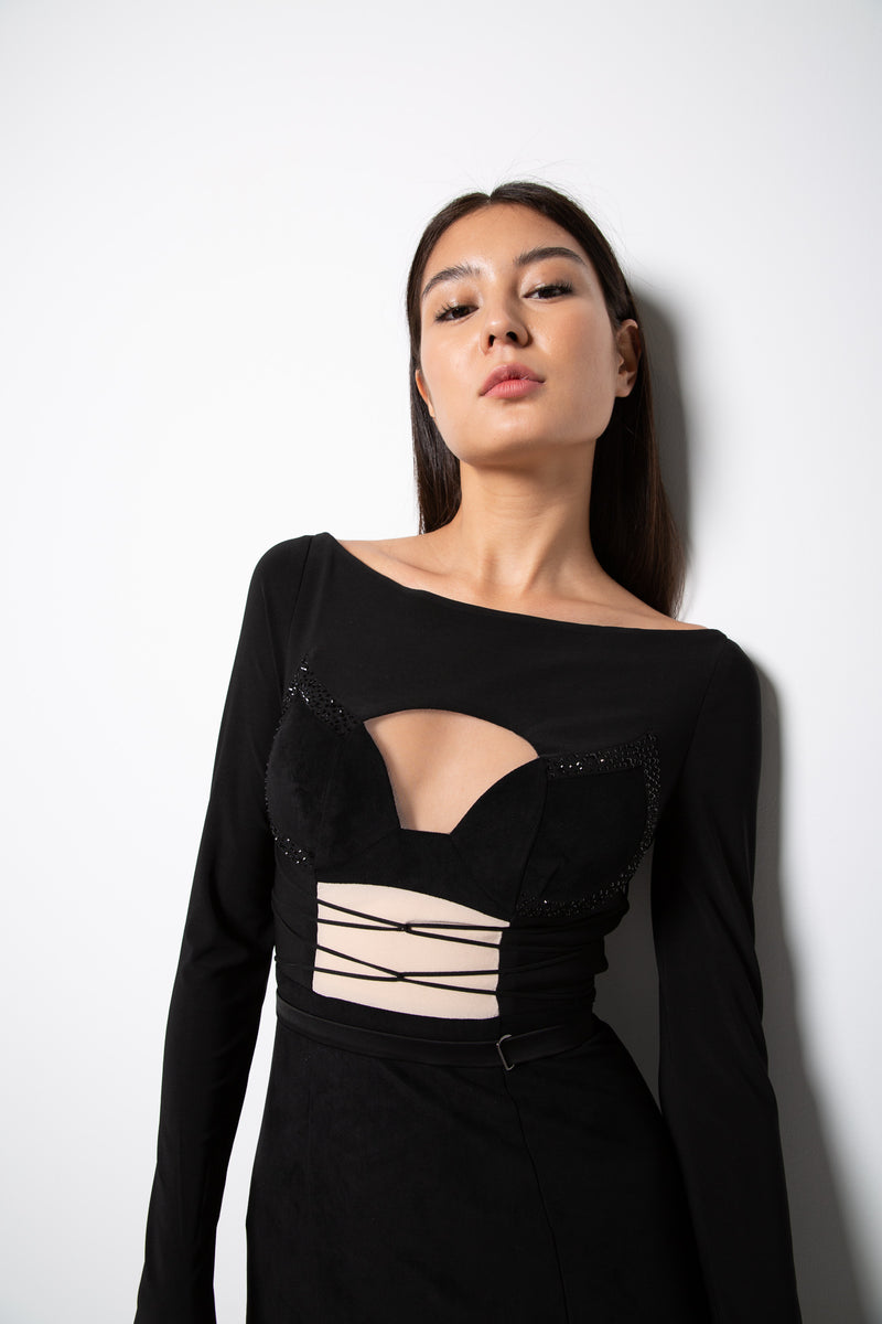 CASSIE GOWN IN BLACK
