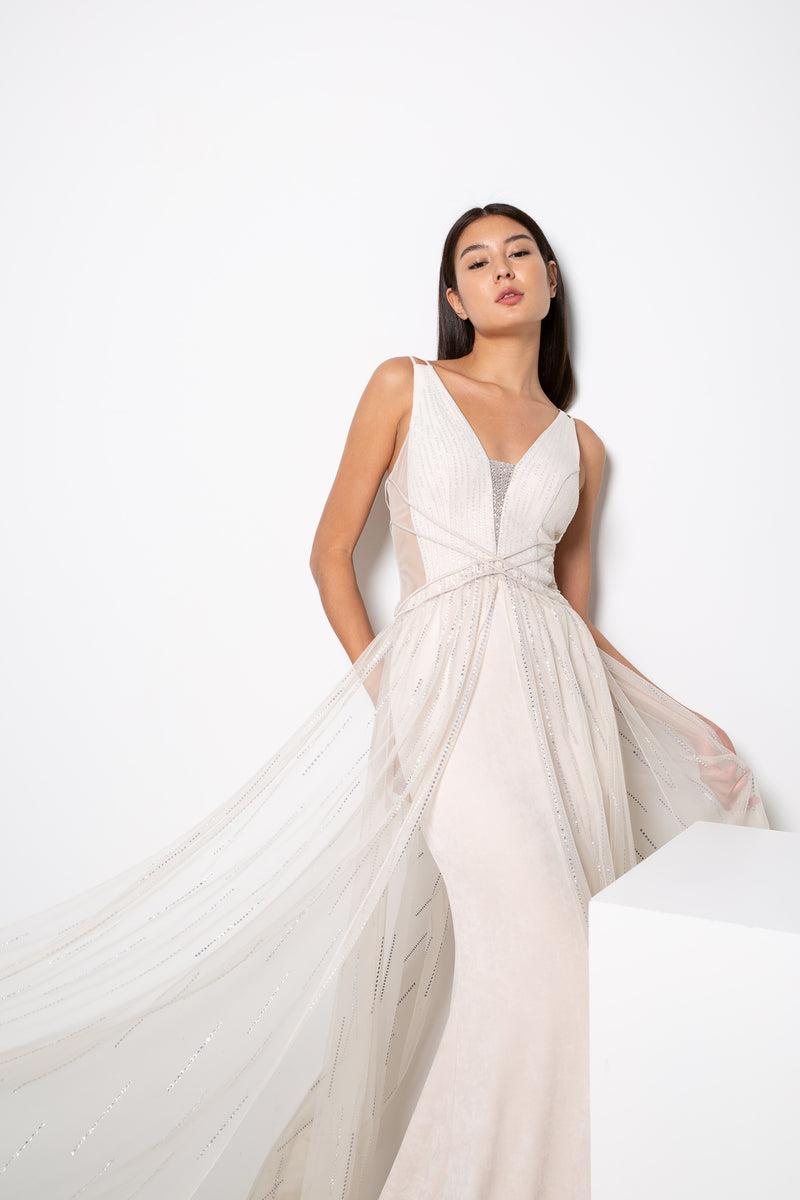 NAILA GOWN IN NUDE