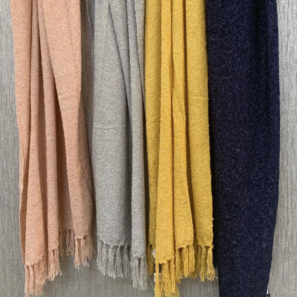Auriella Fine Knit Throw - Blush