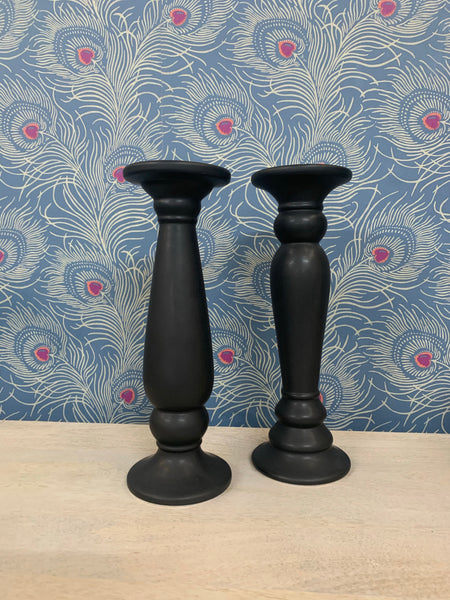 Carlesia Set of 2 Stoneware Candle Holders in Black