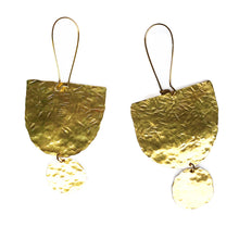 Load image into Gallery viewer, Hand hammered earrings