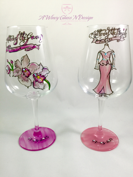 mother-of-the-groom and mother-of-the-bride wine glasses