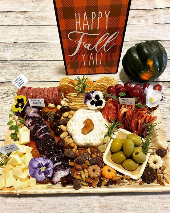Disposable Charcuterie Boards and Platters For The Holiday Season Using Palm Leaf
