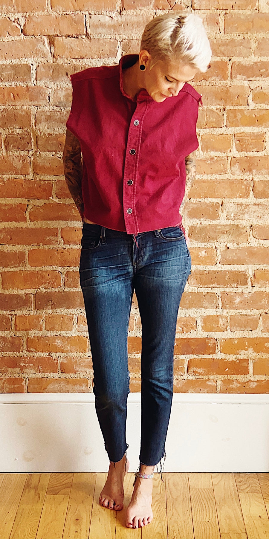 burgundy sleeveless raw hem flannel