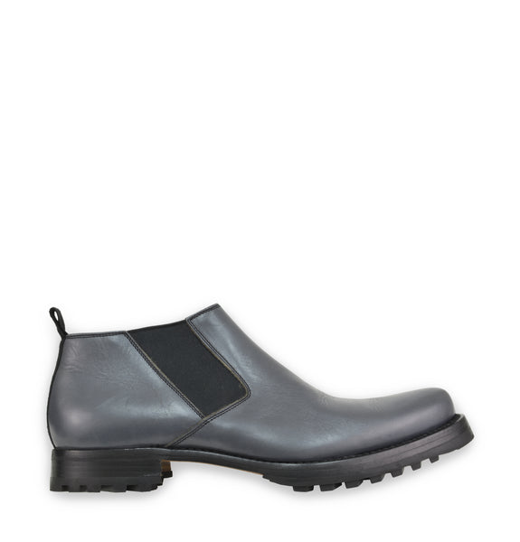 2000s Point Toe Short Chelsea Boots with Tread Sole in Calfskin