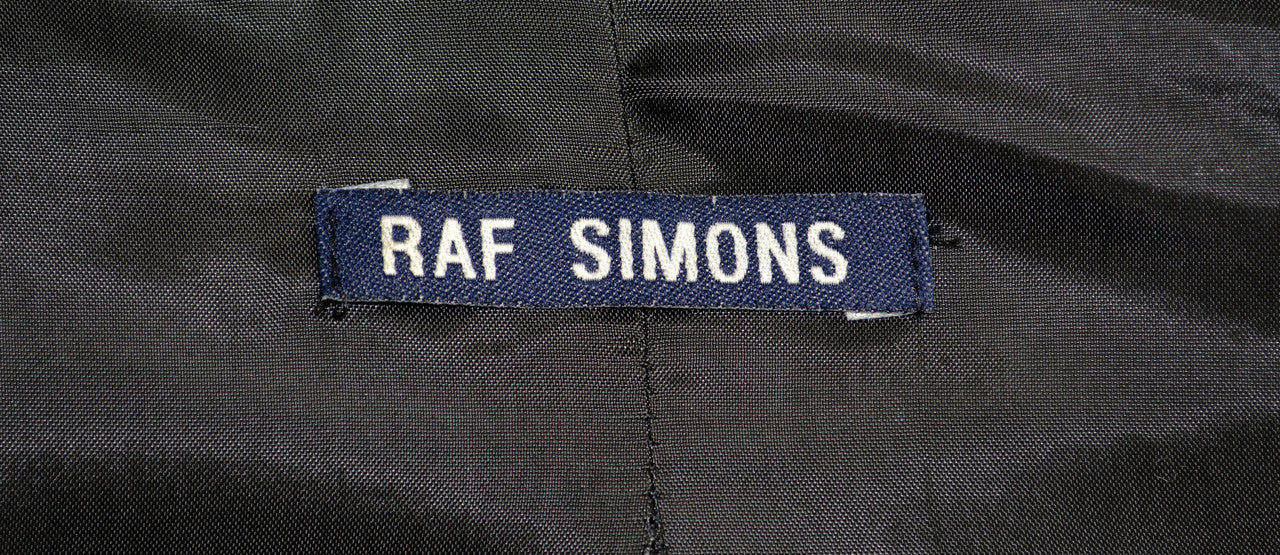 Raf Simons Archive at ENDYMA
