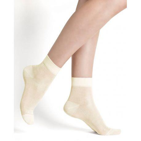 Bleuforet 100% Silk Ankle Socks in White