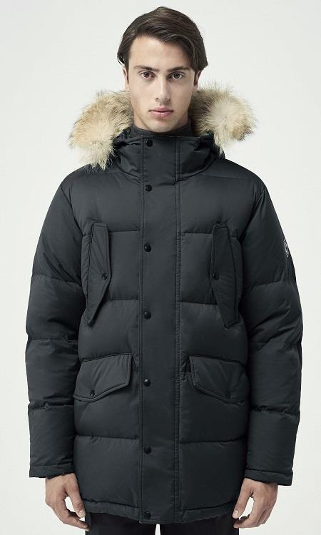 "Quartz ""Lutse"" Parka in Black - Front View"