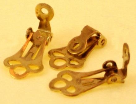 WOT findings. Clip-on-earring-backing. Gold coloured. 12 pack.