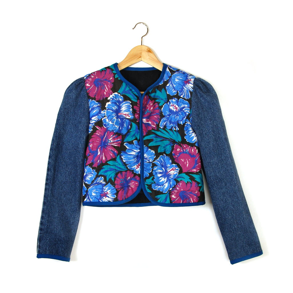 BLUE HIBISCUS 2 QUILTED JACKET - Late to the Party