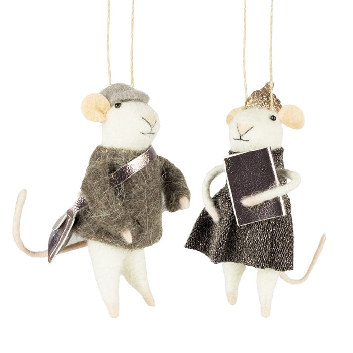 College-Mouse-Couple