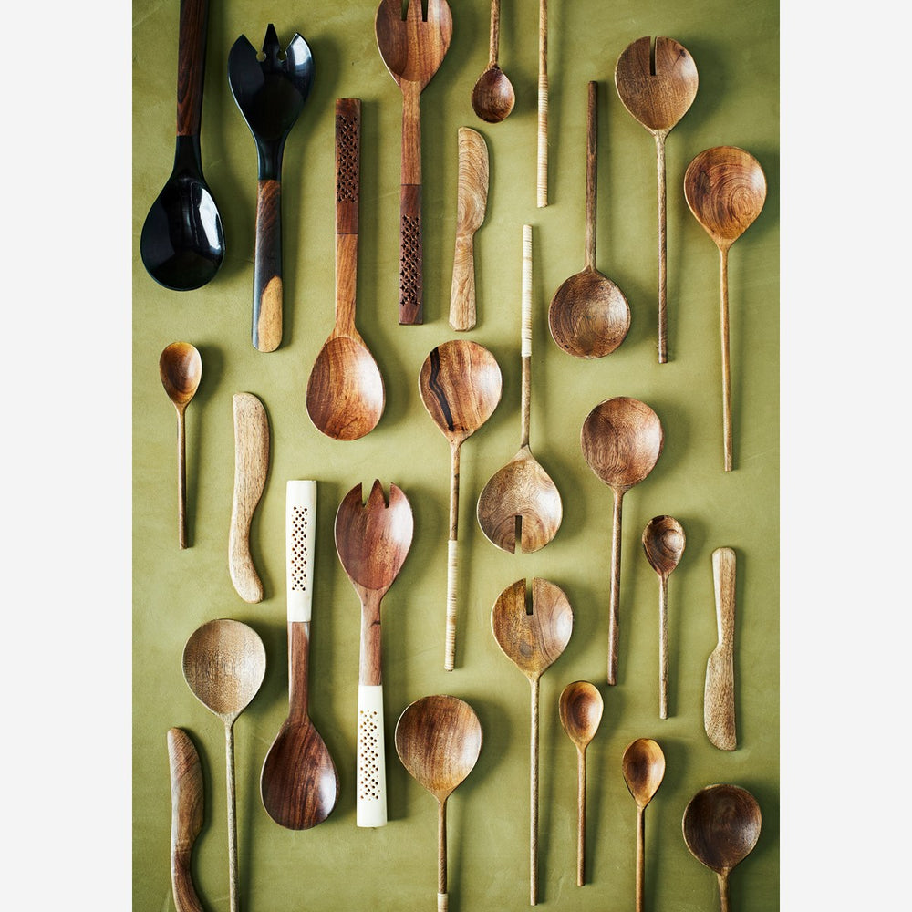 Load image into Gallery viewer, Round Mango Wood Spoon