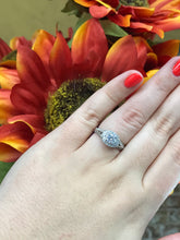 Load image into Gallery viewer, Round Cut Diamond Engagement Ring