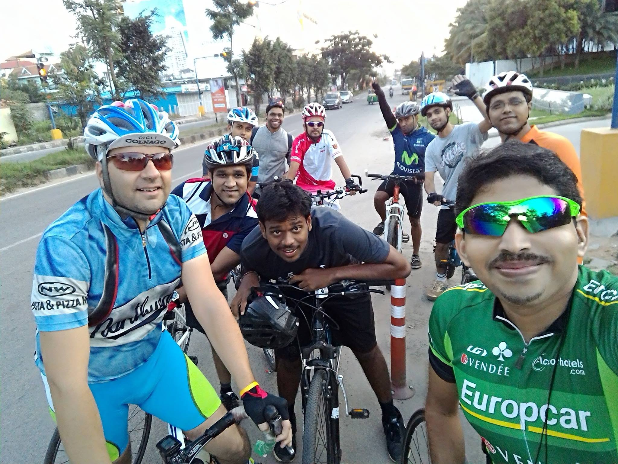 Biju Kunnappada with his cycling group in Bengaluru - Bangalore Roadsters on free weekend cycling ride promoting and encouraging cycling