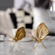 Load image into Gallery viewer, Vicky Yao Table Decor - Luxury Golden Small Decorative Ant / Insects