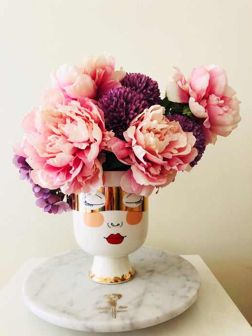 Vicky Yao Faux Floral - Exclusive Designe Pretty Lady face Vase Artificial Flowers Arrangement