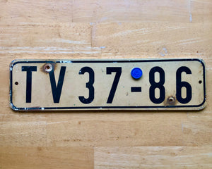Older Dutch (Deutsche Demokratische Republik) License Plate
