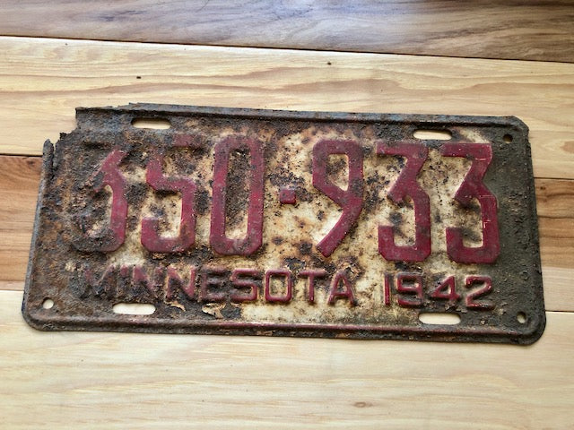 1942 Minnesota License Plate