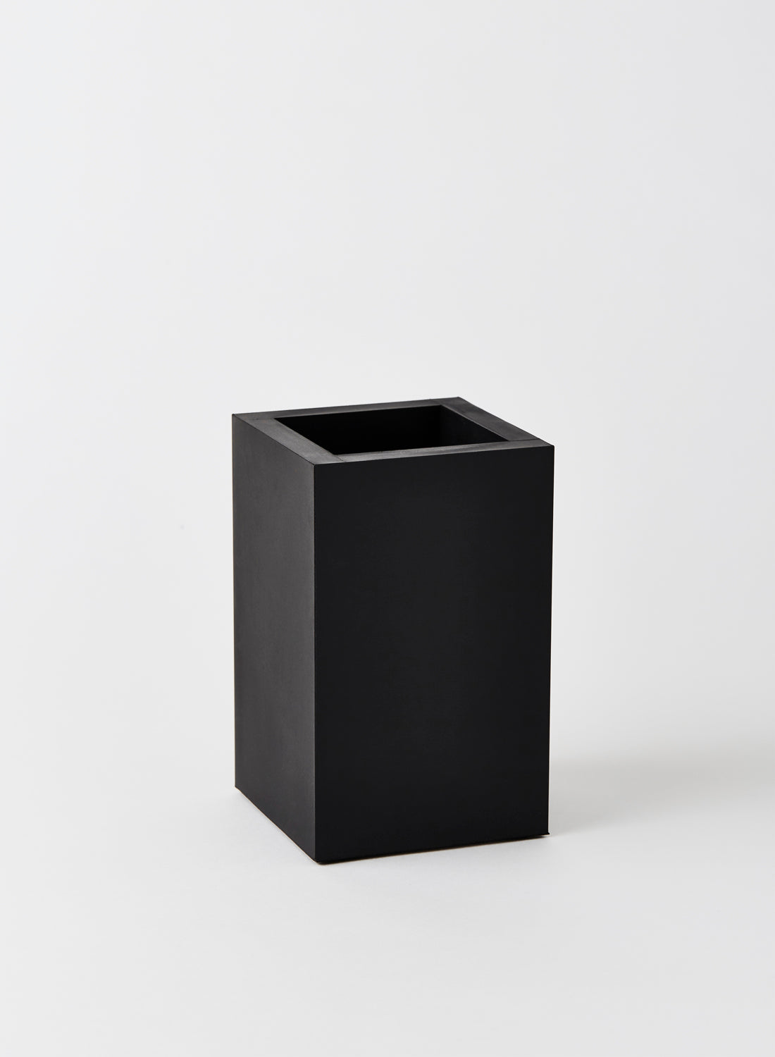 Medium Black Rectangular Rubber Pot