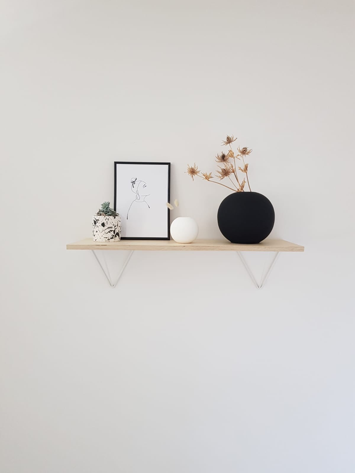 Scandi Display Shelf With White Prism Brackets