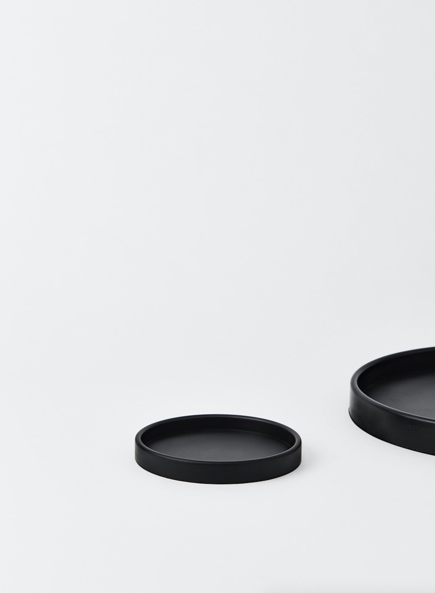 Small Black Round Rubber Tray
