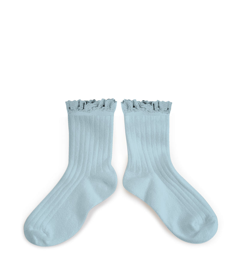 Collegien Ribbed Lace Trim Ankle Socks / Bleu De Pastel