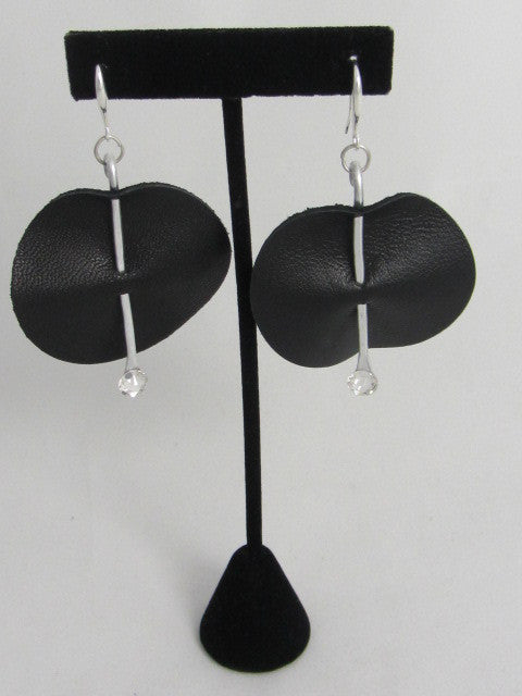 ER 106 LS Round Earrings