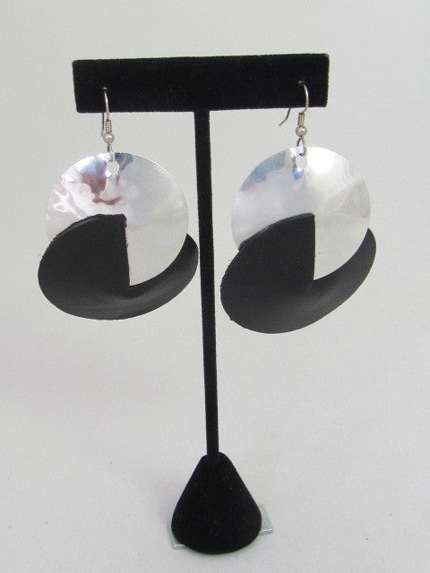ER 119 Eclipse Earrings