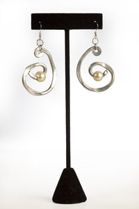 ER 54 - A3 Pearl Swirl Earrings