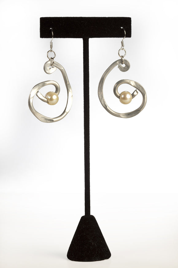 ER 54 Pearl Swirl Earrings