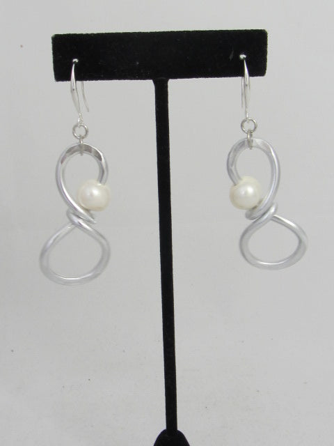 ER 59 Ocho Earrings